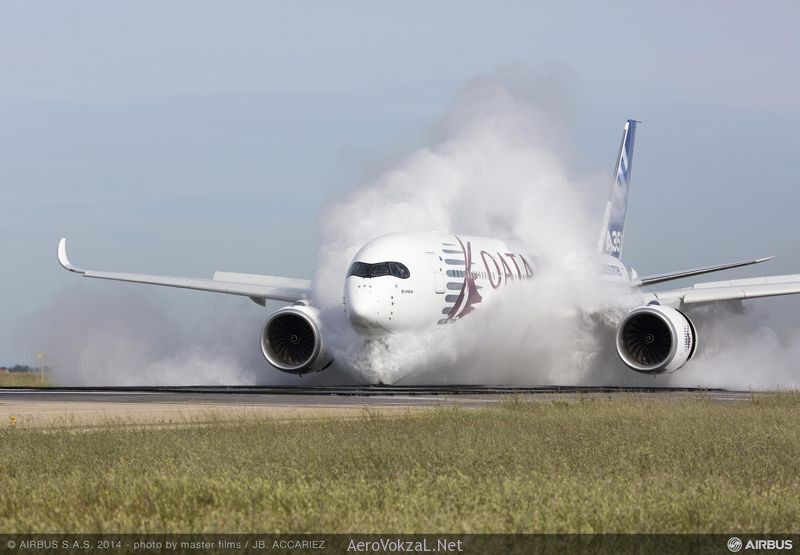 A350_XWB_water_ingestion_test_Istres___2_